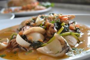Blæksprutte med bladbeder - Seppie con le bietole
